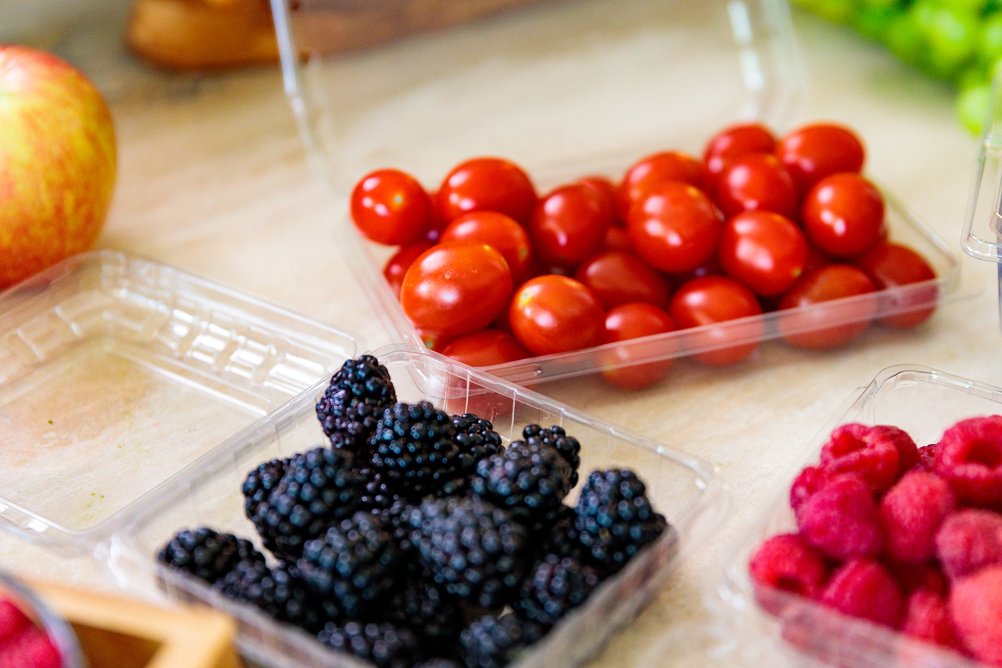 Fruit in clamshell containers